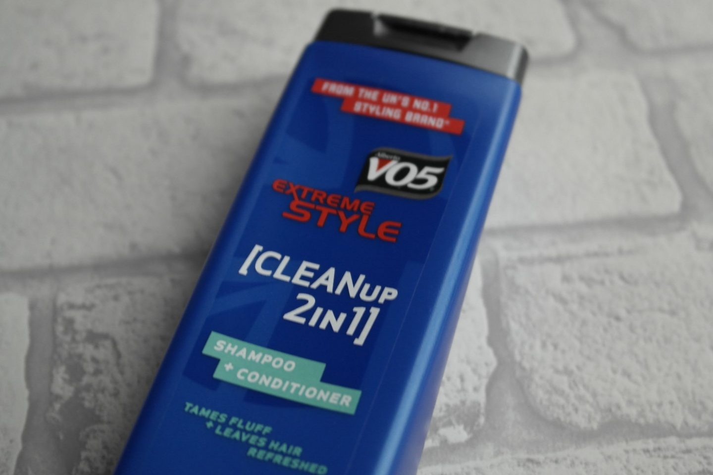 V05 Extreme Style Clean Up 2-in-1 Shampoo & Conditioner