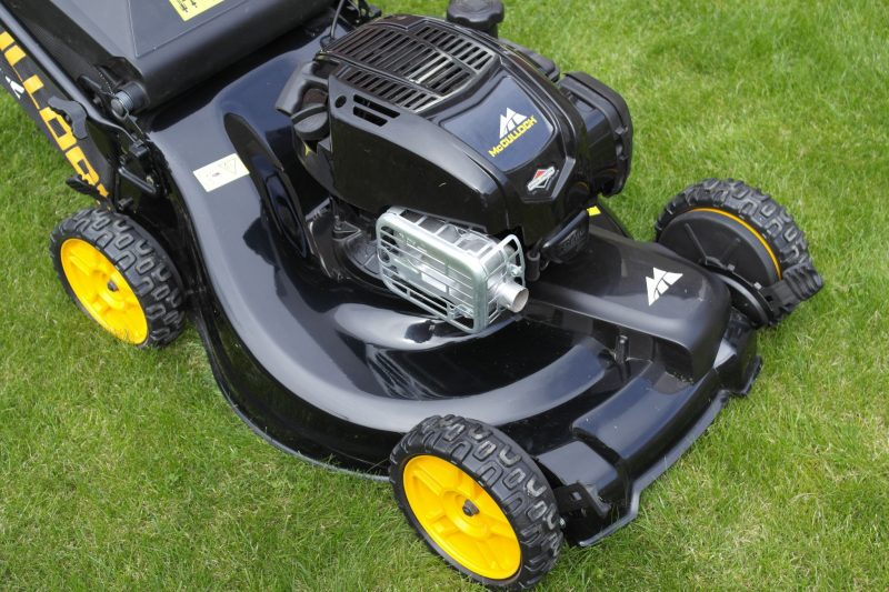 McCulloch 4x4 petrol lawnmower